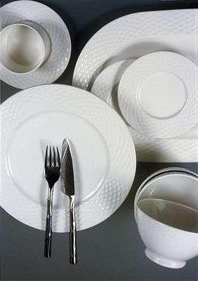 Волгоградский Роспотребнадзор нашел ядовитые тарелки в «Зельгросе»
