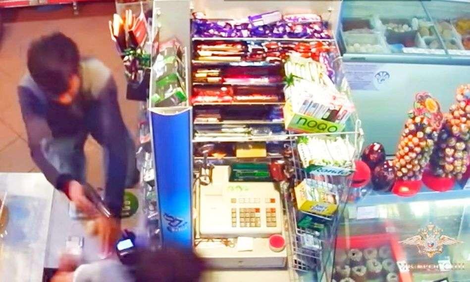 «Налетчики» на магазин. Видео