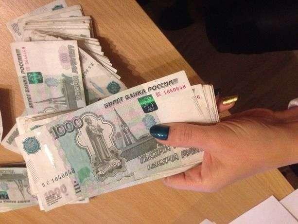 Волгоградские пенсионеры продолжают верить мошенникам