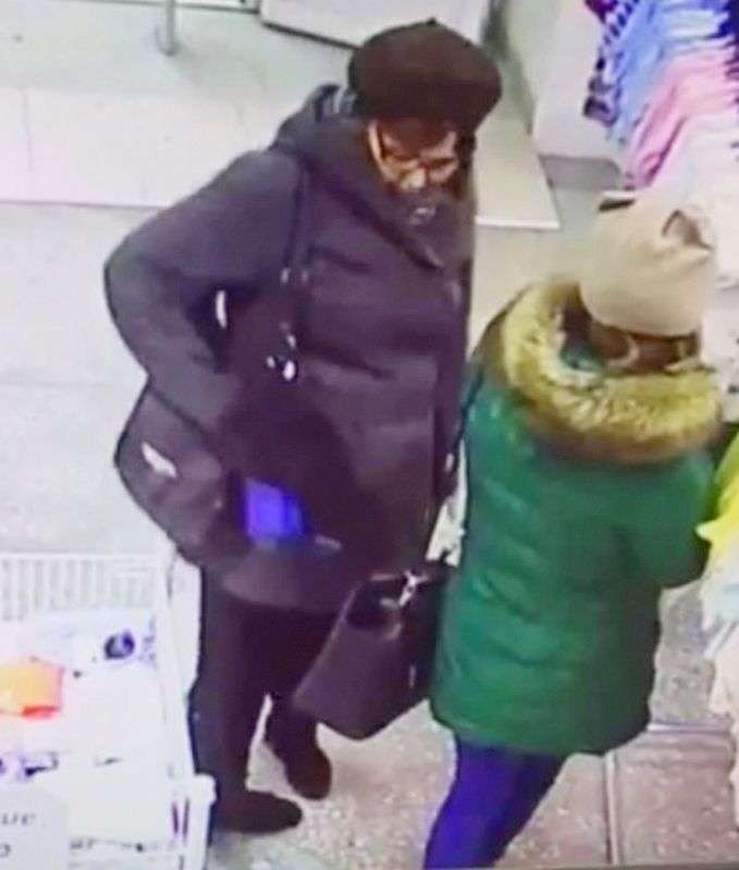 В Волгограде полиция ведет розыск «щипачки»