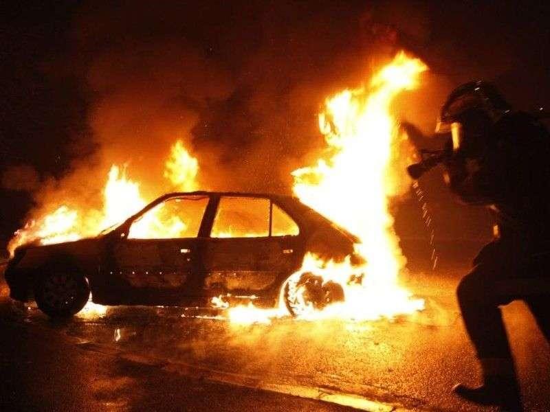 За сутки в регионе сгорело сразу два автомобиля