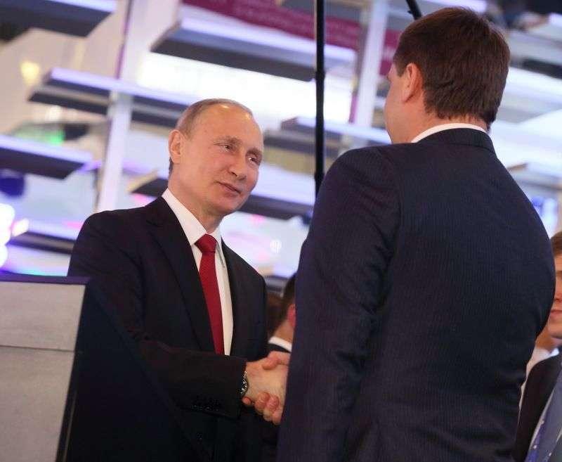 Владимир Путин присвоил звание генерала главному экономическому контрразедчику