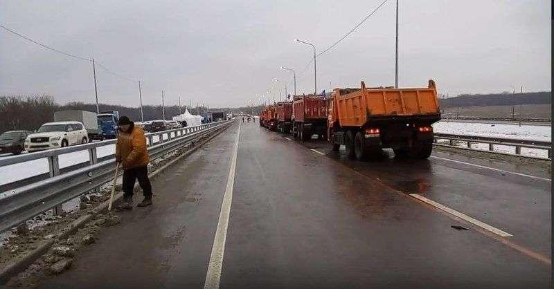 Мост в ожидании Соколова