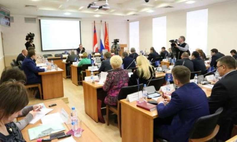 Волгоградские депутаты-«прогульщики» едва не сорвали заседание