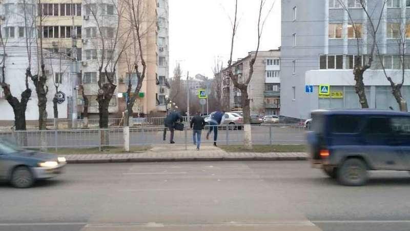 Волгоградские пешеходы не могут привыкнуть к нововведениям