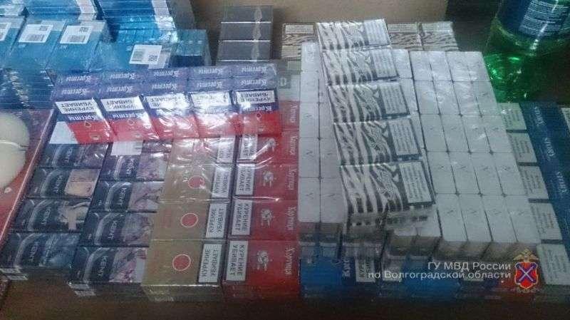 Волгоградцы продавали сигареты под чужим товарным знаком