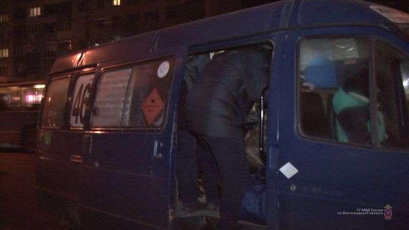 В Волгограде полиция провела спецрейд