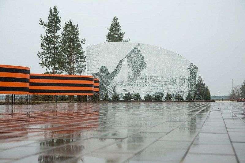 В Волгограде увековечили память о легендарном генерале Родимцеве