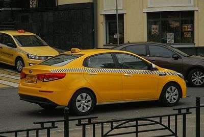 В Камышине запретили рекламу такси