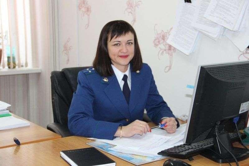Помощник прокурора лишилась работы за разоблачения врачей-мошенников