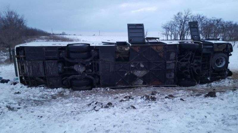 В Ростовской области рейсовый автобус попал в ДТП: есть жертвы
