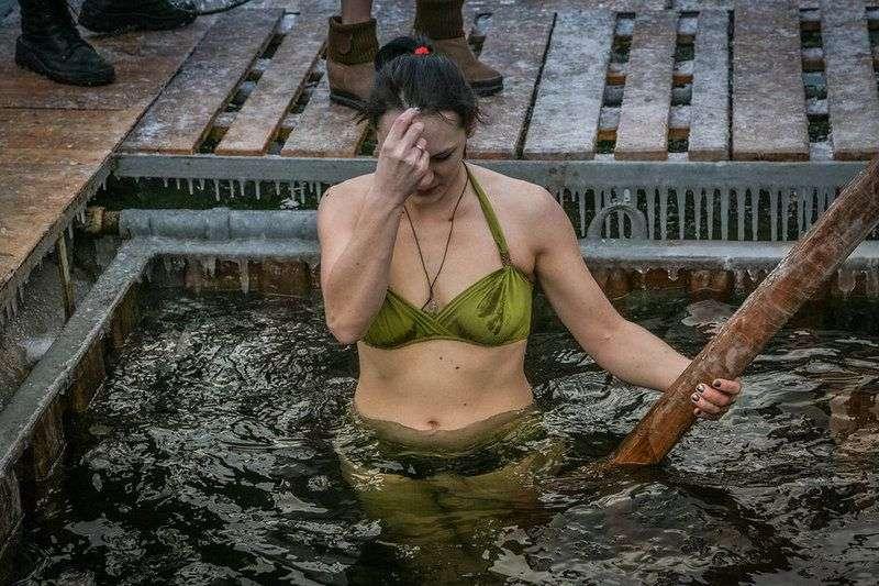 Специалисты одобрили воду в волгоградских крещенских купелях