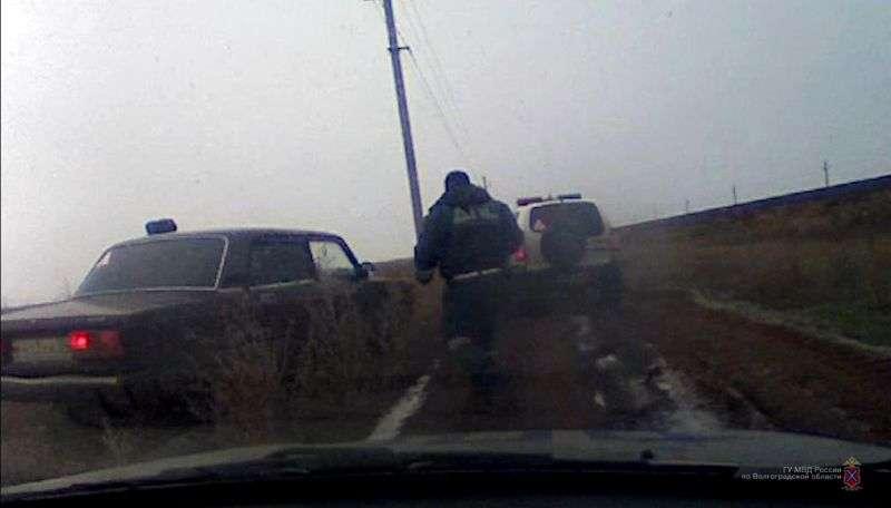Под Волгоградом пьяный водитель устроил гонки с полицейскими