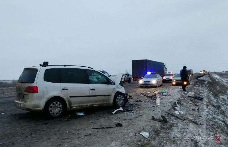 Под Волгоградом в страшной аварии погиб 8-летний ребенок. ФОТО