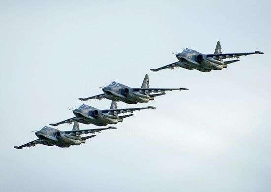 В небе над Волгоградом началась репетиция авиашоу