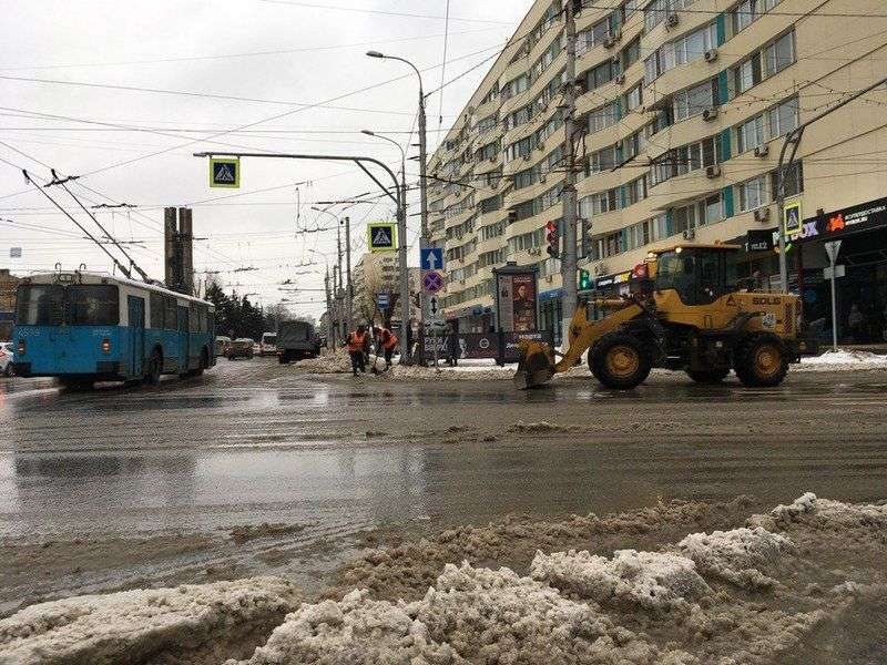 Центр Волгограда терпит транспортный коллапс