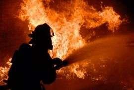 В страшном пожаре на улице Буханцева погибла многодетная мать