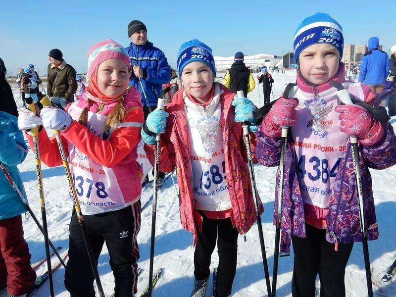 «Лыжня России» стала массовым семейным праздником