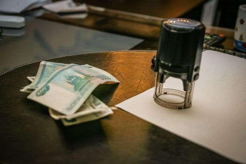 В Волгограде мошенники подвели под долги честного гражданина