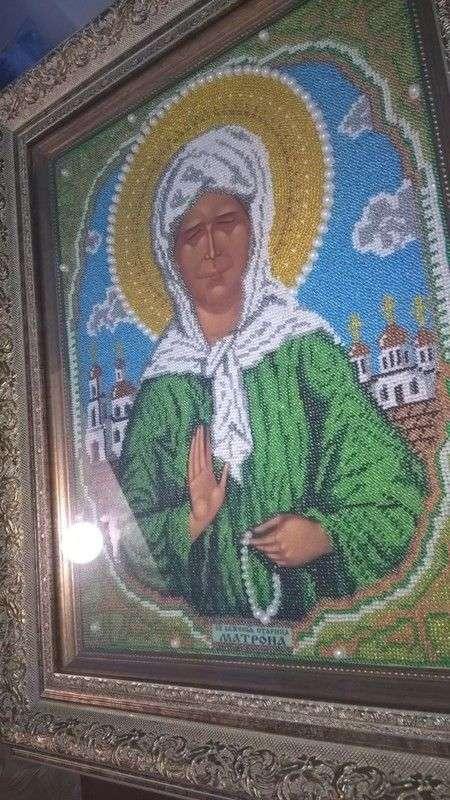 Под Волгоградом замироточила икона из бисера