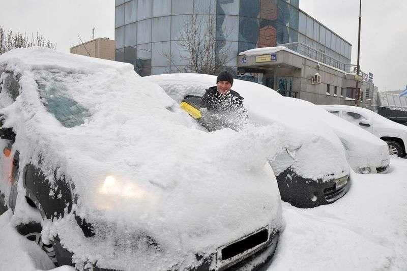 ЖКХ-инструктор: на ком лежит обязанность по уборке снега во дворах
