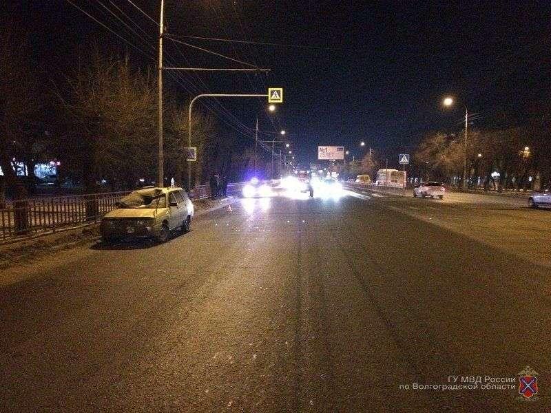 В Волгограде водитель на ВАЗе сбил женщину на «зебре»