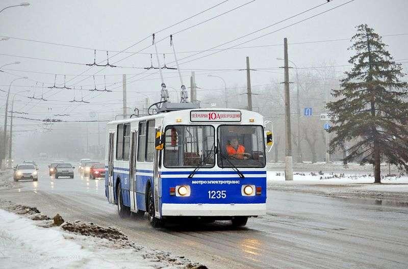 Новый троллейбусный маршрут связал три района в Волгограде