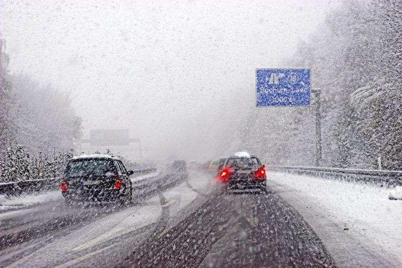 Волгоградских водителей призывают к осторожности