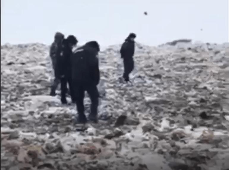 Полицейские продолжают искать тело 9-месячного ребенка на свалке. ВИДЕО