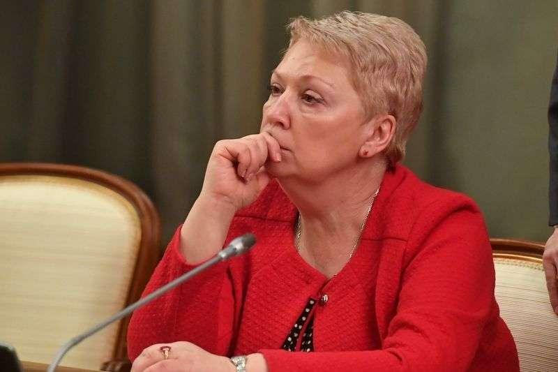 Ольга Васильева подгоняет образовательные стандарты по офшорное «Просвещение»