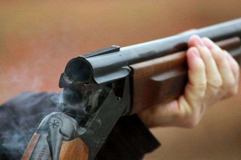 В Волжском у многомиллионного должника отняли три винтовки