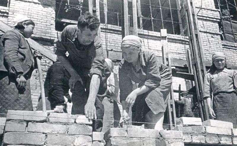 Волгоградцы узнают о роли комсомола в восстановлении Сталинграда