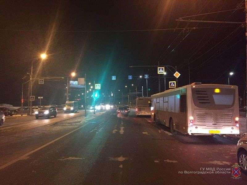 В Волгограде водитель автобуса сбил пешехода-нарушителя