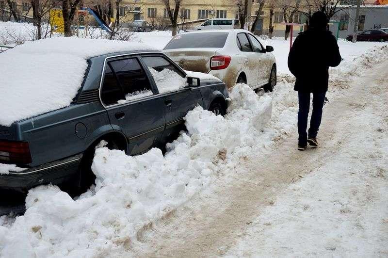 На улице Свердлова в Волжском ограничат стоянку