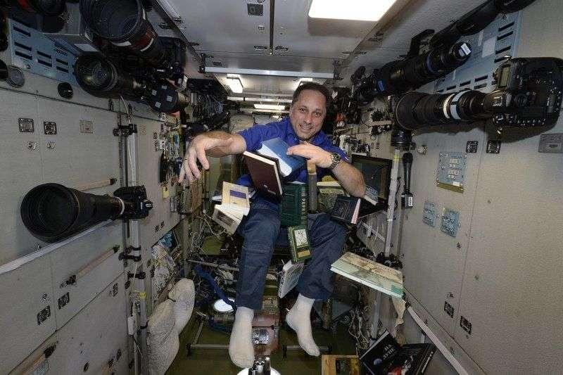 Выпускник Качинского училища показал из космоса заснеженный Волгоград