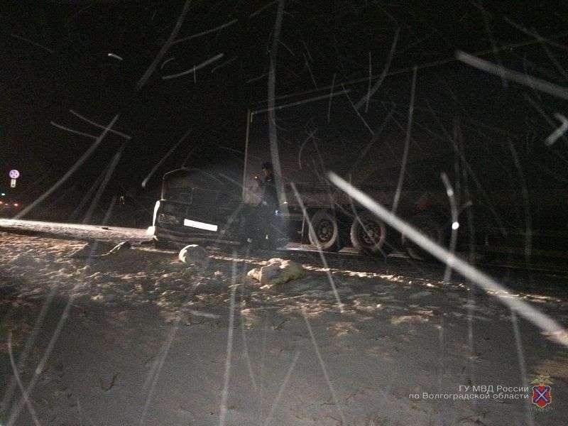 В лобовом столкновении легковушки с МАЗом погибла 16-летняя девушка