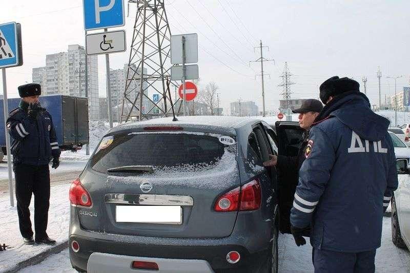 Депутаты уточнили правила парковки на местах для инвалидов
