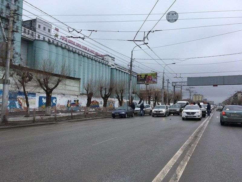 В Ворошиловском районе перекрыта дорога на Тулака