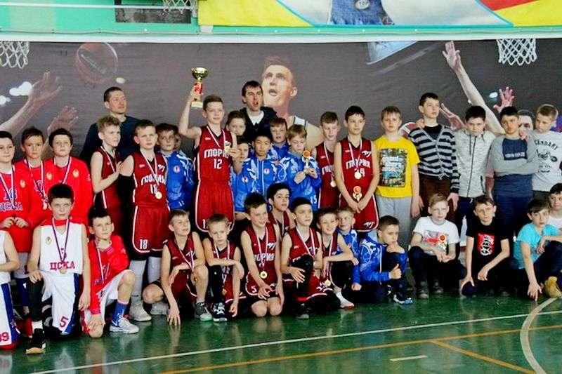 В Волжском прошел турнир по баскетболу