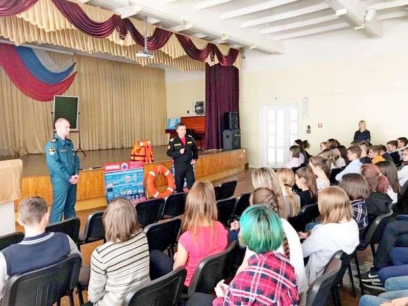 Волгоградским школьникам напомнили правила поведения около водоемов