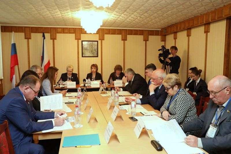 Волгоградские депутаты предложили хоронить бывших узников концлагерей за счет федбюджета