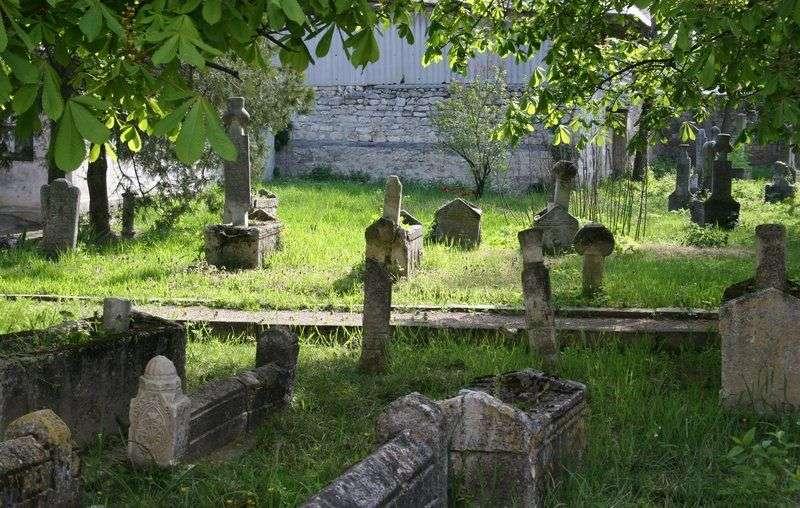 Депутаты одобрят смену парка на кладбище в Ворошиловском районе