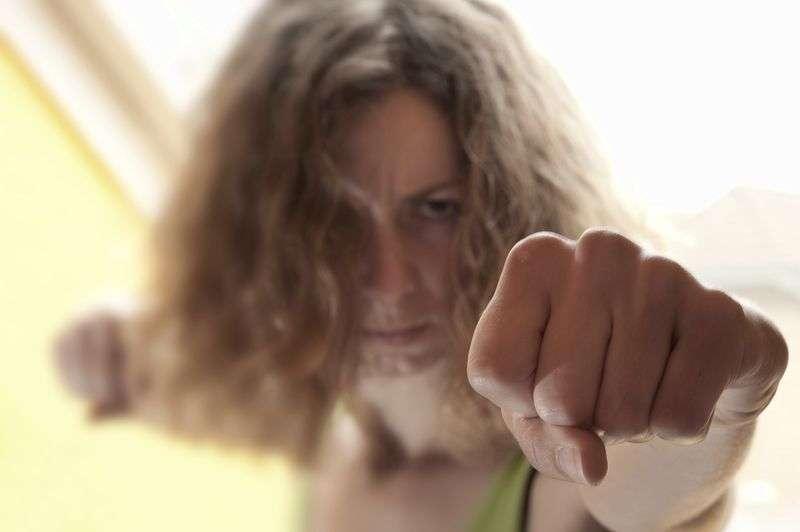 Камышанку задержали за жестокое обращение с дочкой
