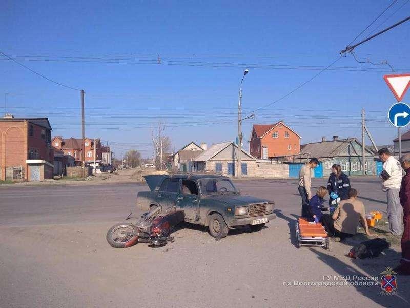 Волгоградец на «семерке» сбил мотоциклиста