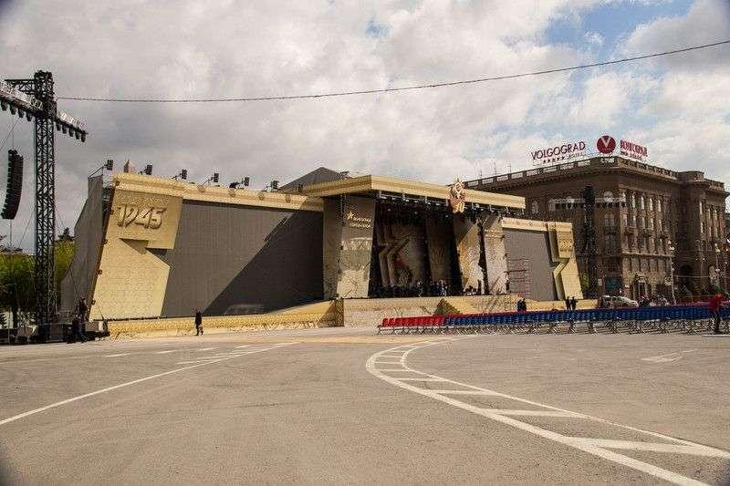 В Волгограде состоятся две вечерние репетиции парада Победы
