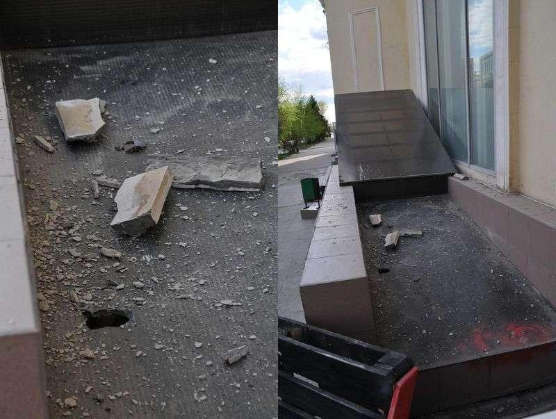 У домов в центре Волгограда продолжают крошится балконы