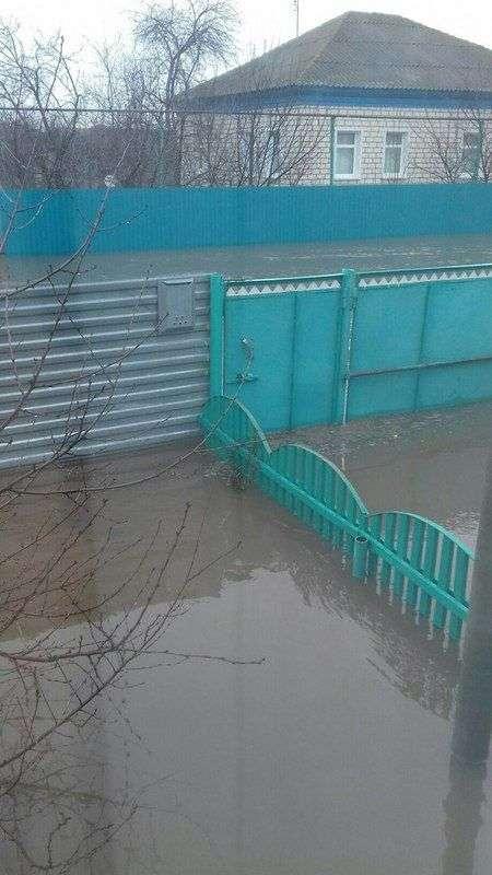 Волгоградцы сообщают о потопе в Киквидзенском районе
