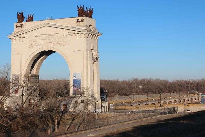 На юге Волгограда закрыли опасный понтонный мост