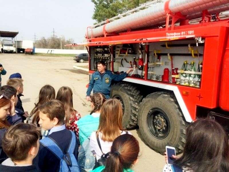 Волгоградские пожарные провели день открытых дверей