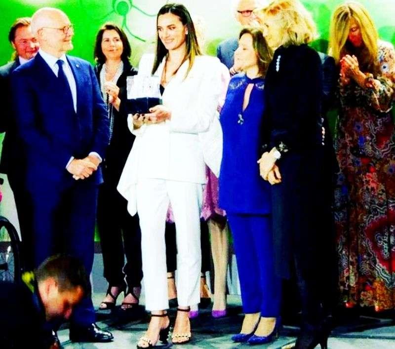 Елену Исинбаеву признали женщиной года в Монте-Карло